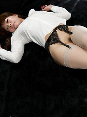 Sakurai Ruru wearing stockings