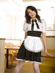 Nasty maid Mai Mizusawa pleases with licking