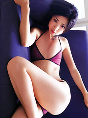 Alluring gravure idol babe with a cute body