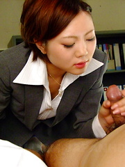 Sexy Iroha Kawashima works on a hot blowjob